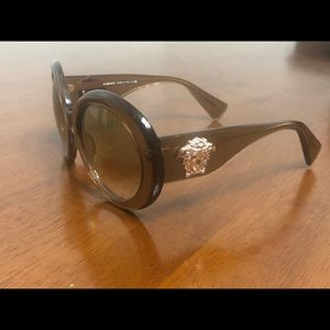VERSACE VINTAGE BROWN TRIBUTE SUNGLASSES